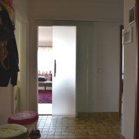 Glasschiebetür zum Wohnzimmer
